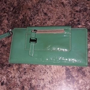 Green wallet. Others welcome